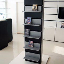 Dvd/cd hylde for væg unit B52cm. Der kan hænge 5 hylder pr. væg unit