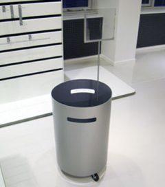 Tilbuds boks med justerbar bund og holder for skilt. Ø45xH65cm