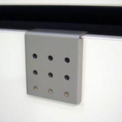 Holder for ophæng af højttalere / mindre fladskærme type nr. 1070/HT