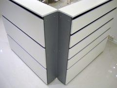 Hjørne units type nr. 1020-90 findes i 8 højder. Kan bruges til vinkel opsætning af dobbeltsidet væg units.